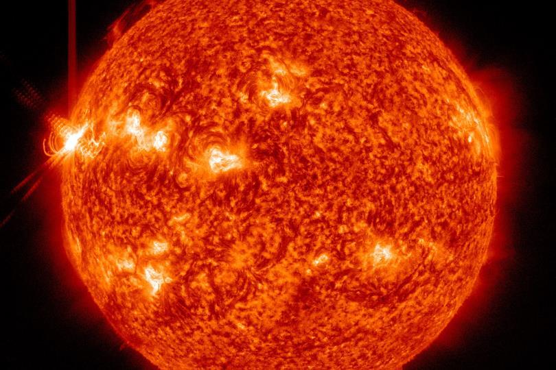 ثلاثة انفجارات ضخمة على الشمس خلال 24 ساعة