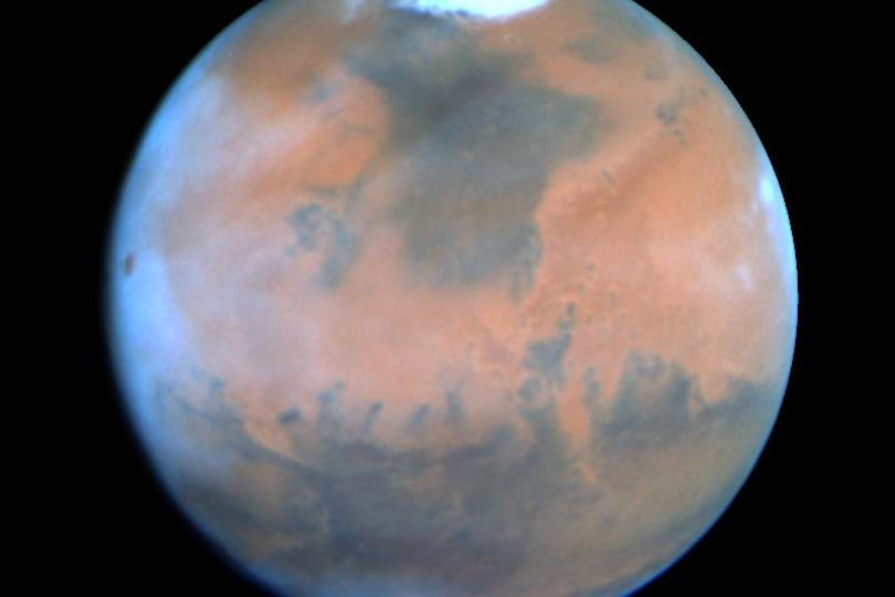يشاهدان بالعين المجردة مساء: المريخ وزحل في أقرب نقطة من الأرض